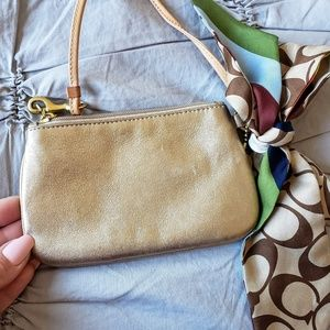 Coach Bags - COACH🥰AUTHENTIC  soft leather wristlet w/scarf